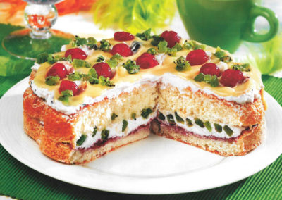 Tort z kiwi